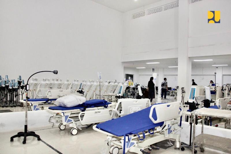 https: img.okezone.com content 2020 03 26 337 2189168 rs-darurat-wisma-atlet-hanya-rawat-pasien-covid-19-kategori-ringan-dan-sedang-B4QiXko9mN.jpg