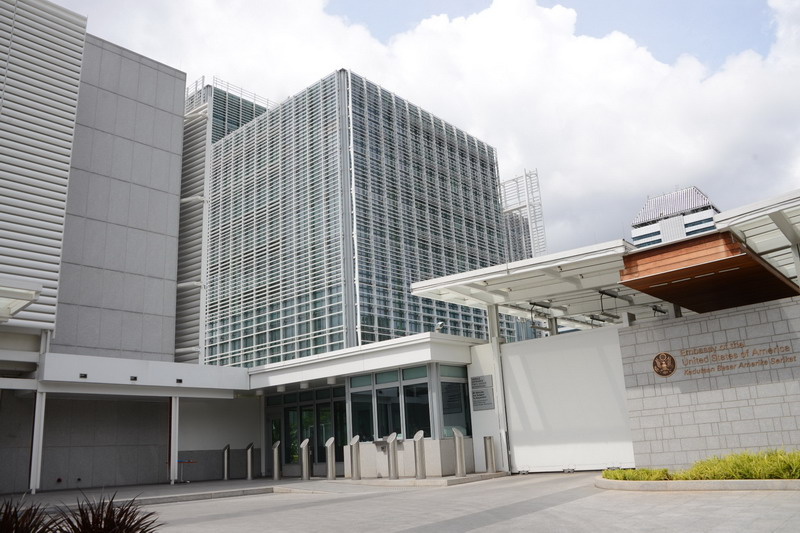 https: img.okezone.com content 2020 03 27 18 2189650 kedubes-as-perintahkan-keluarga-staf-usia-di-bawah-21-tahun-tinggalkan-indonesia-W3ztTXpOn4.jpg
