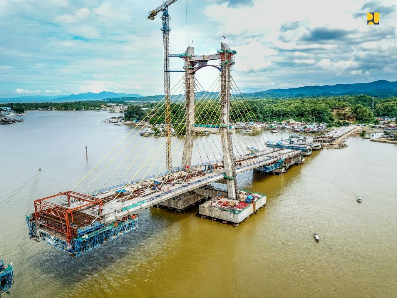 https: img.okezone.com content 2020 03 27 320 2189874 pembangunan-sudah-85-jembatan-teluk-kendari-jadi-penghubung-ke-new-port-bungkutoko-pYf23oFZdL.jpeg