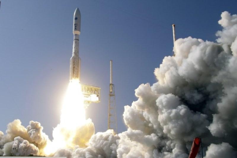 https: img.okezone.com content 2020 03 27 56 2190010 as-luncurkan-satelit-keamanan-nasional-di-tengah-wabah-corona-wPe59O5UKF.jpg