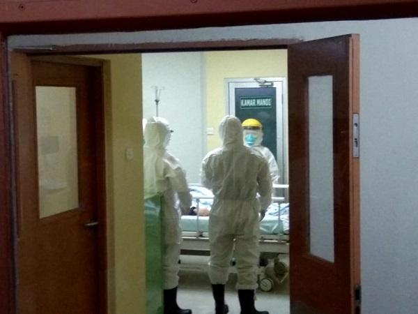 https: img.okezone.com content 2020 03 31 512 2191814 cerita-pasien-rsud-moewardi-yang-sembuh-dari-corona-JoxStb4ZVH.jpg
