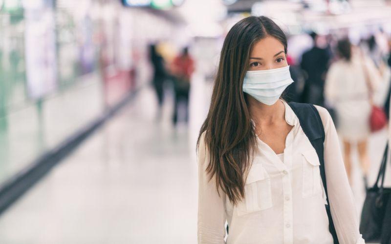 https: img.okezone.com content 2020 03 31 620 2191607 cara-aman-keluar-rumah-ketika-harus-cari-nafkah-saat-pandemi-corona-AqSmViSvlC.jpg