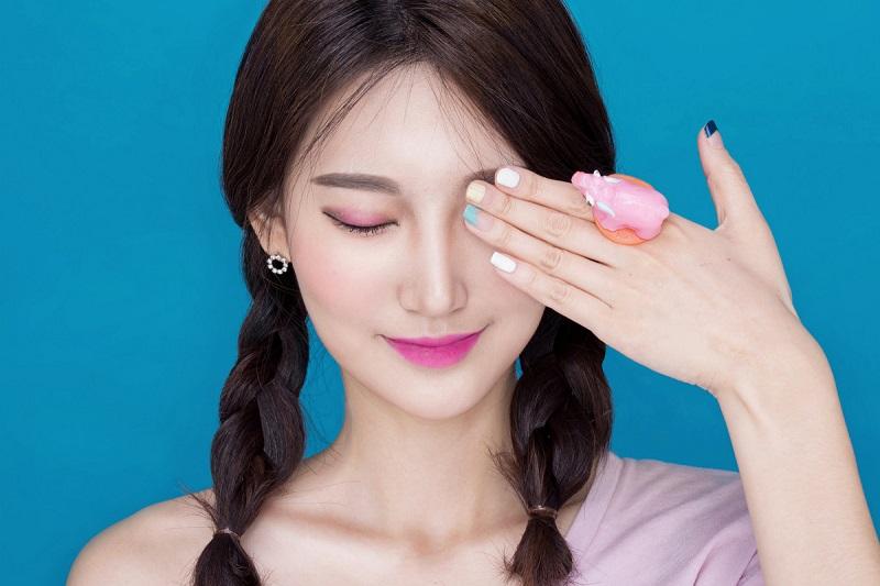 https: img.okezone.com content 2020 04 01 611 2192587 gegara-corona-covid-19-cewek-korea-jadi-jarang-makeup-loh-oO3gTjzcw8.jpg