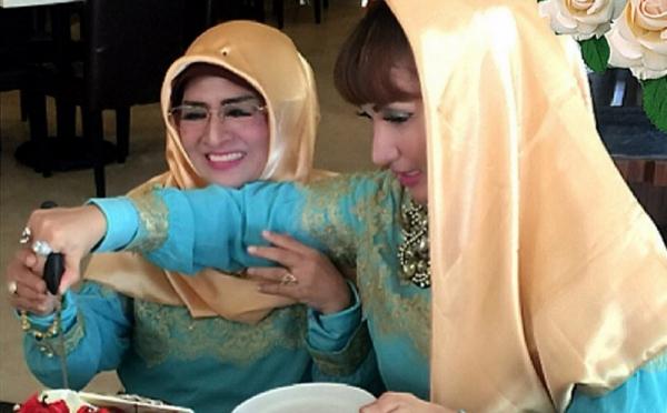 https: img.okezone.com content 2020 04 03 33 2193657 bebas-jelang-ramadan-roro-fitria-bicara-mukjizat-allah-FsCyPqRGCQ.jpg