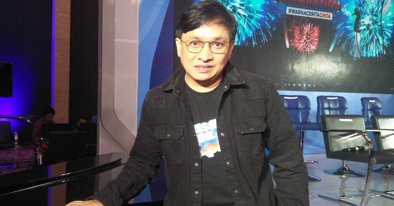 https: img.okezone.com content 2020 04 05 205 2194333 lawan-corona-yovie-widianto-ciptakan-lagu-teguhkan-hati-indonesia-1rP2Dhm8VT.jpg