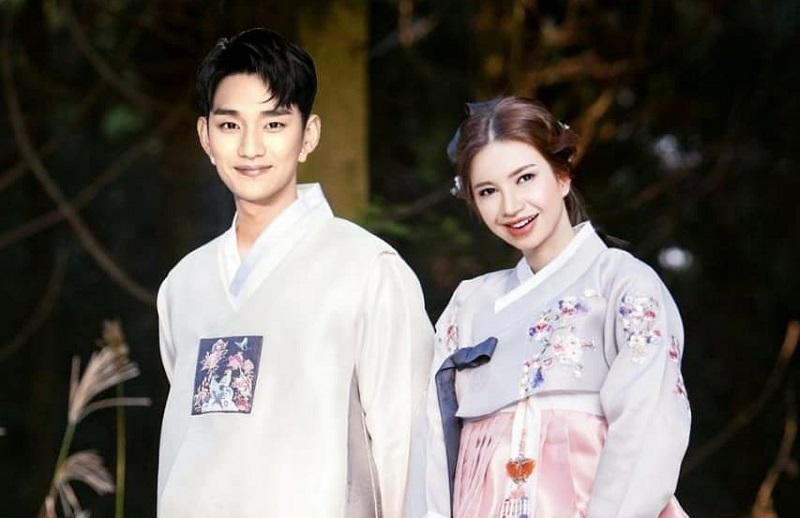 https: img.okezone.com content 2020 04 05 33 2194517 rossa-pamer-foto-pernikahan-dengan-kim-soo-hyun-dian-sastro-ini-saha-NTpSdK0brZ.jpg