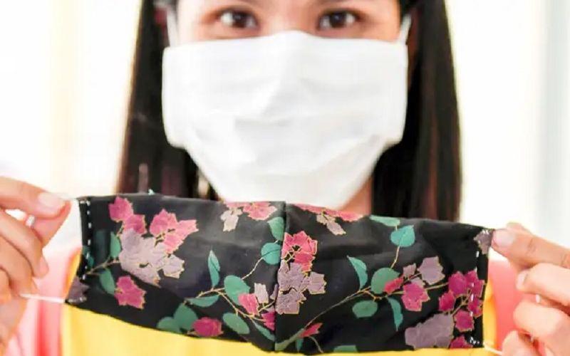 https: img.okezone.com content 2020 04 05 481 2194454 seberapa-efektif-masker-kain-dalam-mencegah-penularan-covid-19-vEdud5A5ZF.jpg