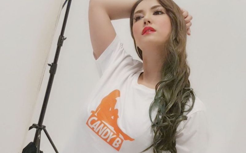 https: img.okezone.com content 2020 04 06 612 2195152 wow-si-cantik-maria-ozawa-doakan-indonesia-mampu-lawan-corona-covid-19-tBJbswp8tB.jpg