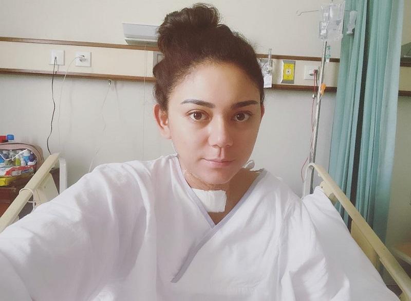 https: img.okezone.com content 2020 04 07 33 2195534 bersyukur-cara-thalita-latief-kenang-momen-operasi-tiroid-uW7MA7AYnX.jpg
