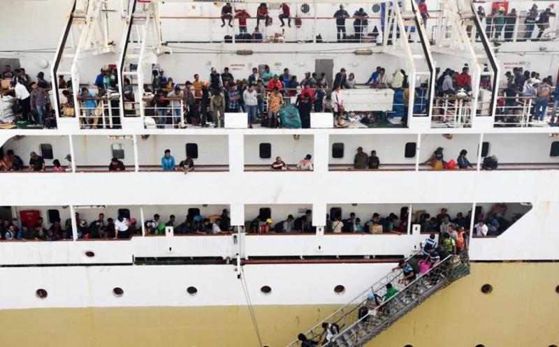 https: img.okezone.com content 2020 04 08 320 2196058 mulai-1-mei-pembelian-tiket-kapal-ferry-berlaku-online-CWCEh8XlKU.jpg