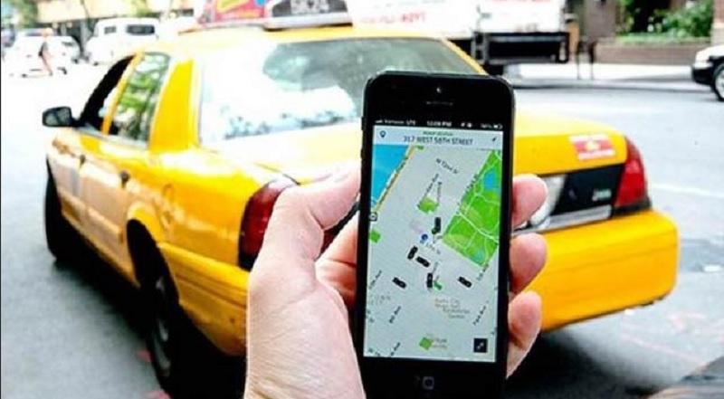 https: img.okezone.com content 2020 04 08 481 2196346 naik-taksi-dan-transportasi-online-efektif-cegah-penularan-covid-19-bBcpziKG04.jpg