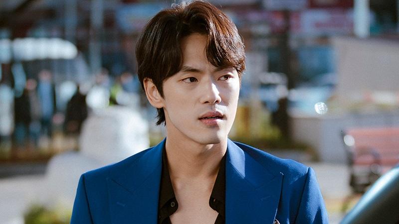 https: img.okezone.com content 2020 04 08 598 2196204 kim-jung-hyun-akan-jadi-raja-berkepribadian-ganda-dalam-queen-cheorin-uPWHRA3fuC.jpg