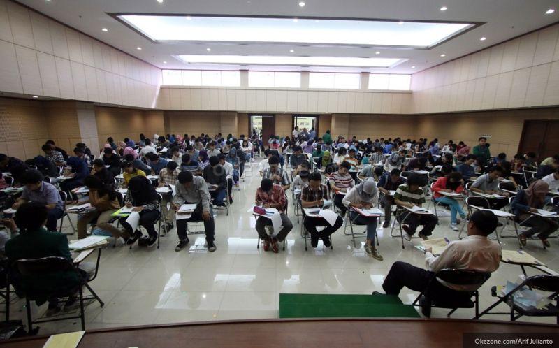 https: img.okezone.com content 2020 04 08 65 2196018 snmptn-2020-jatim-provinsi-dengan-tingkat-siswa-peserta-kip-kuliah-terbanyak-EcBgcNHSBH.jpg