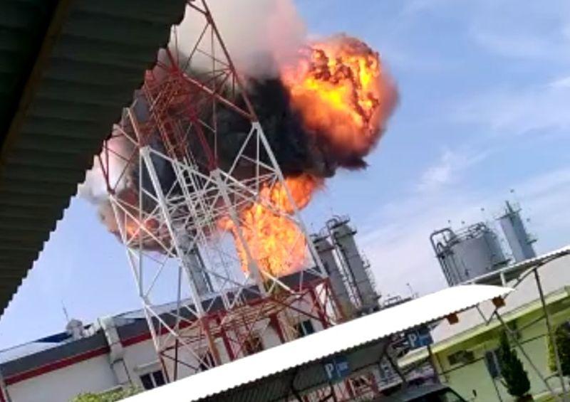 https: img.okezone.com content 2020 04 09 512 2196869 pertamina-investigasi-penyebab-kebakaran-pada-proyek-pengembangan-gas-di-blora-JViYWkbz8y.jpg