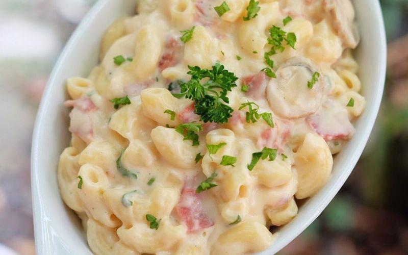 https: img.okezone.com content 2020 04 10 298 2197192 tergoda-mac-and-cheese-untuk-ngemil-sore-ini-resepnya-4sWuipAlYR.jpg