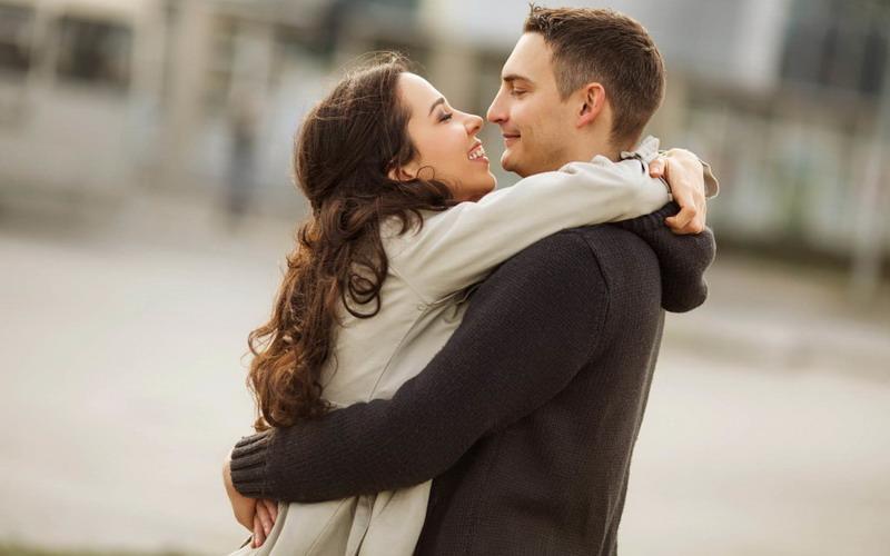 https: img.okezone.com content 2020 04 13 196 2198624 5-cara-suami-ungkap-rasa-cinta-ke-istri-tanpa-bilang-i-love-you-cJJ6ISq5k6.jpg