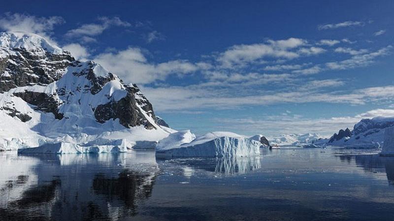 https: img.okezone.com content 2020 04 15 56 2199822 ilmuwan-pelajari-lubang-lapisan-ozon-di-antartika-AS0IgmGdGU.jpg