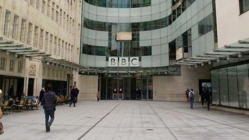 https: img.okezone.com content 2020 04 17 615 2200473 bbc-kumandangkan-adzan-dan-ayat-suci-al-qur-an-selama-wabah-corona-YhfQosrImx.jpg