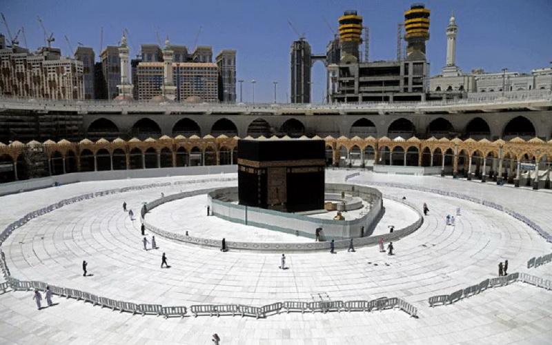https: img.okezone.com content 2020 04 18 614 2201157 arab-saudi-larang-tarawih-di-masjid-pemakaman-maksimal-6-orang-UxZutgyfpc.JPG