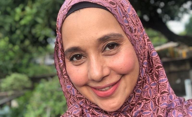 https: img.okezone.com content 2020 04 19 33 2201508 ayu-azhari-sebut-rahma-sudah-menikah-secara-islam-tahun-lalu-BCsYZuh17U.jpg