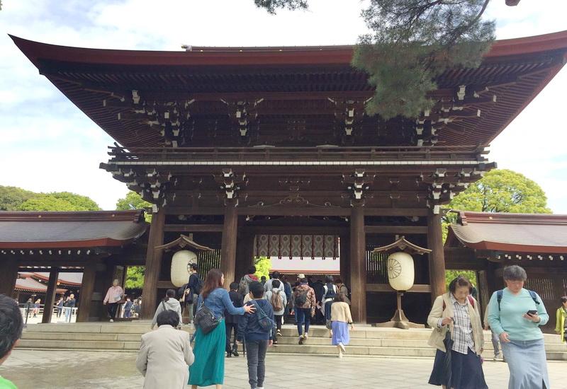 https: img.okezone.com content 2020 04 19 406 2201558 empat-kuil-bersejarah-yang-wajib-dikunjungi-di-tokyo-nomor-4-penuh-kontroversi-EVovHYe4UZ.jpg