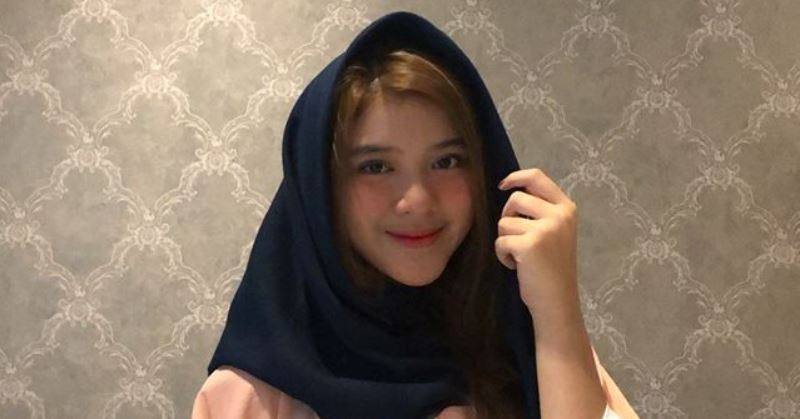 https: img.okezone.com content 2020 04 22 33 2203309 tiara-idol-antusias-jalani-ramadan-pertama-di-jakarta-ynOo3zowYm.jpg
