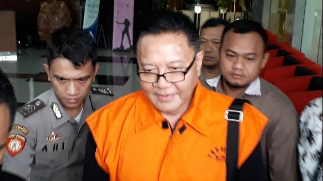 https: img.okezone.com content 2020 04 22 337 2203319 suap-impor-bawang-eks-anggota-dpr-nyoman-dhamantra-dituntut-10-tahun-penjara-kTLj2tTSAX.jpg