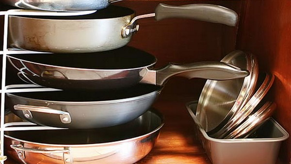 https: img.okezone.com content 2020 04 23 298 2203484 tips-william-gozali-masterchef-memilih-alat-masak-yang-aman-p64dUkFNmK.jpg