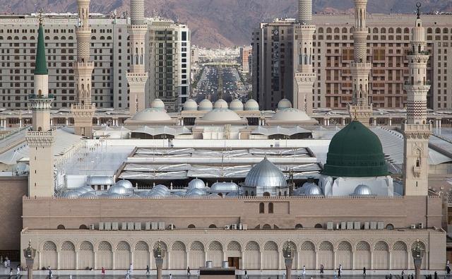 https: img.okezone.com content 2020 04 23 620 2203572 wabah-virus-corona-sejumlah-pemerintah-di-timur-tengah-larang-warga-salat-tarawih-di-masjid-Kx36DpNcRO.jpg