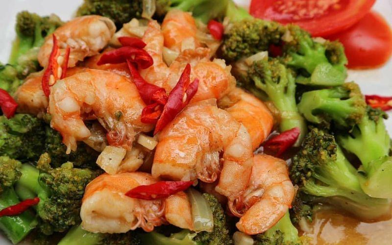 https: img.okezone.com content 2020 04 25 298 2204779 sahur-masak-brokoli-cah-udang-resepnya-gampang-banget-WYjG54mfU0.jpg