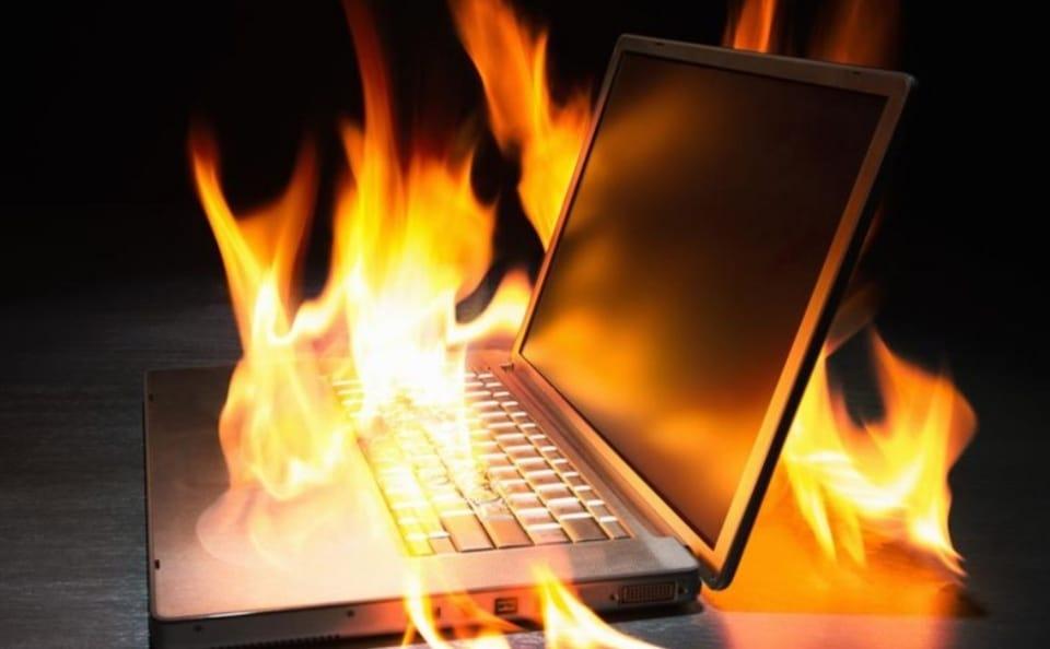 https: img.okezone.com content 2020 04 25 92 2204847 6-cara-jitu-agar-laptop-tidak-cepat-panas-saat-wfh-XSZMN74z7r.jpeg