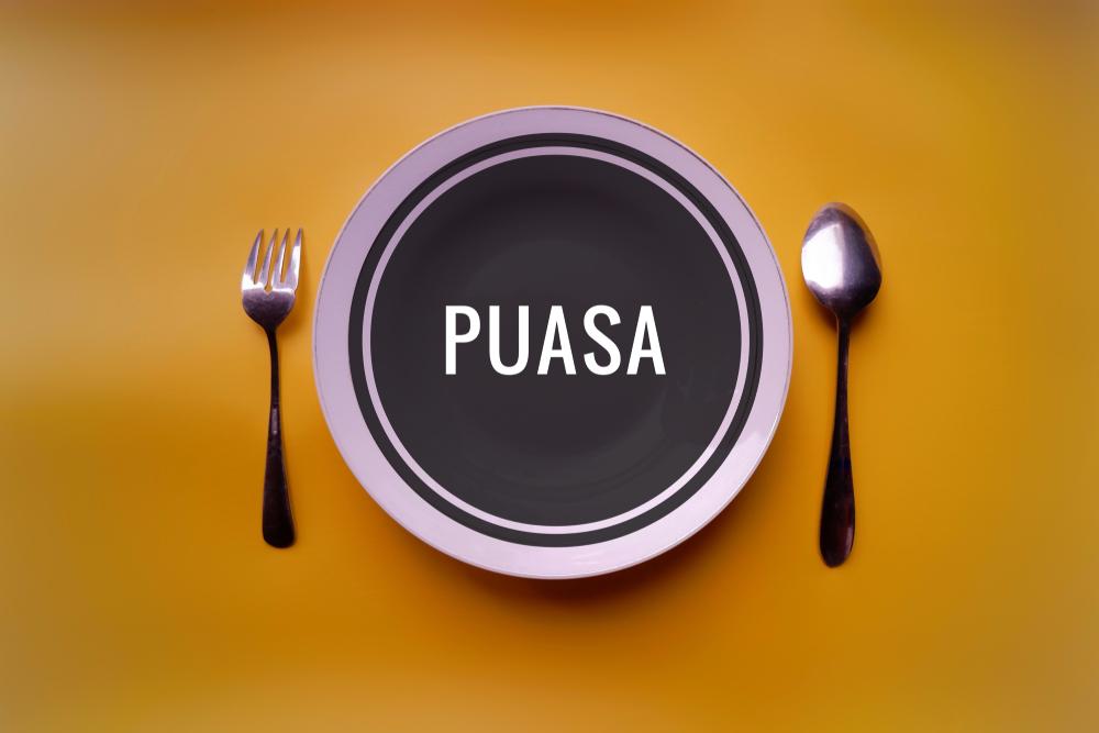 https: img.okezone.com content 2020 04 26 298 2204925 pola-makan-sehat-selama-puasa-ramadhan-menurut-rekomendasi-who-VBdzcQpAoH.jpg