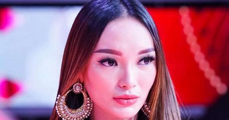 https: img.okezone.com content 2020 04 27 33 2205312 jalani-bulan-ramadan-pertama-sebagai-istri-zaskia-gotik-rajin-memasak-ckkeZAHX6a.jpg