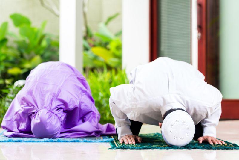 https: img.okezone.com content 2020 04 27 330 2205306 masjid-ditutup-karena-corona-yuk-hidupkan-rumah-dengan-berbagai-ibadah-ramadhan-dp2TLAK8iy.jpg