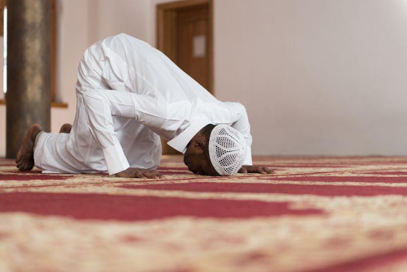 https: img.okezone.com content 2020 04 27 330 2205334 apakah-orang-taubat-wajib-mengqadha-puasa-ramadhan-yuk-simak-jawabannya-q0oNCvCIGH.jpg