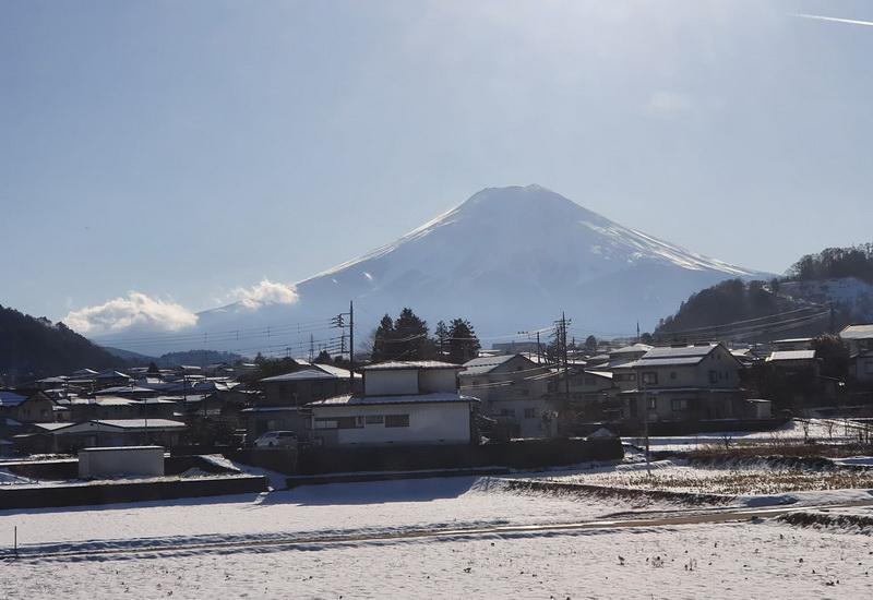https: img.okezone.com content 2020 04 27 406 2205598 serunya-one-day-trip-ke-gunung-fuji-jepang-Fz0q0FRTVJ.jpg