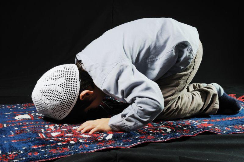 https: img.okezone.com content 2020 04 27 616 2205320 5-cara-jitu-melatih-anak-puasa-ramadhan-j1WLJQpDGO.jpg