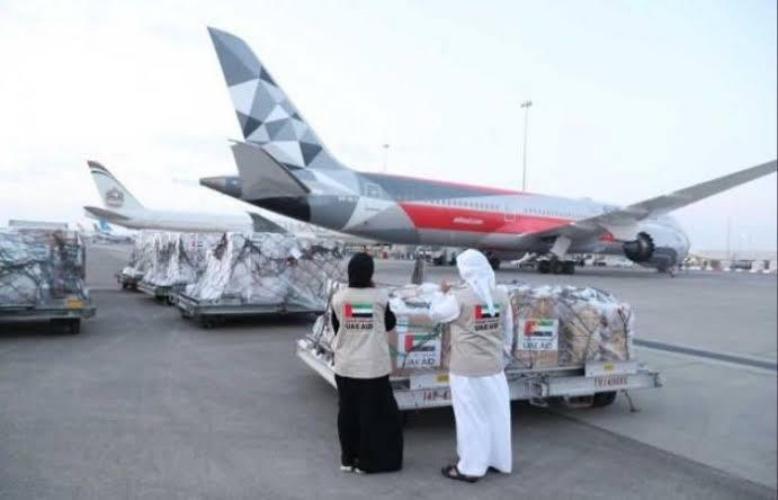 https: img.okezone.com content 2020 04 28 337 2205845 uea-kirim-bantuan-20-ton-perlengkapan-medis-covid-19-untuk-indonesia-5ZbY83Llki.jpg