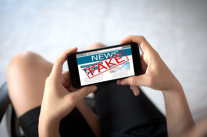 https: img.okezone.com content 2020 04 28 338 2206002 ravio-patra-laporkan-peretasan-whatsapp-nya-ke-polda-metro-jaya-TkEpR9Mktl.jpg