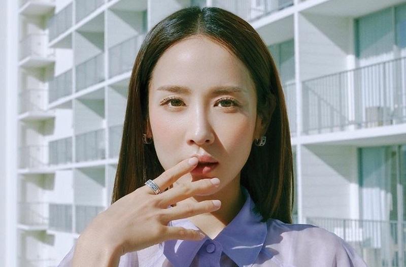 https: img.okezone.com content 2020 04 29 598 2206452 aktris-parasite-jo-yeo-jeong-pertimbangkan-bintangi-drama-bertema-perselingkuhan-43VdVbUECT.jpg