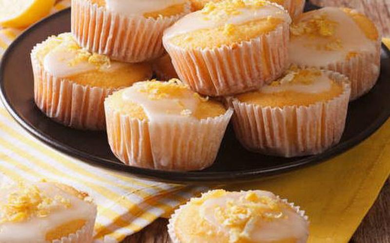 https: img.okezone.com content 2020 04 30 298 2207535 legitnya-lemon-cake-untuk-camilan-berbuka-puasa-37pUvPDmGv.JPG