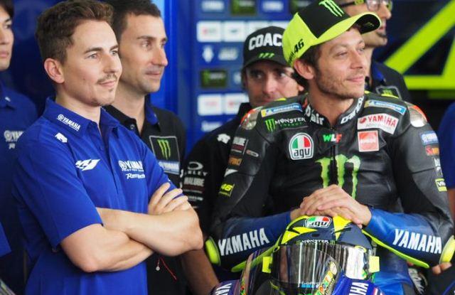 Rossi Dipastikan Batal Bertandem dengan Lorenzo di