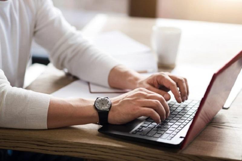 https: img.okezone.com content 2020 05 01 612 2207851 4-tips-agar-tak-kehilangan-fokus-kerja-selama-puasa-UJ9TAbnLck.jpg