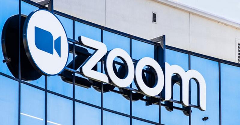 https: img.okezone.com content 2020 05 01 92 2207949 5-tips-aman-meeting-via-zoom-burkeajcUW.jpg
