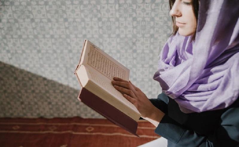 https: img.okezone.com content 2020 05 02 616 2208091 cara-islami-agar-betah-di-rumah-selama-pandemi-corona-QamcaVQMwV.jpg