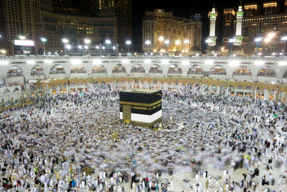 https: img.okezone.com content 2020 05 04 620 2208911 masjidil-haram-dibuka-indonesia-tunggu-kepastian-haji-Zh8fyGY7Jt.jpeg