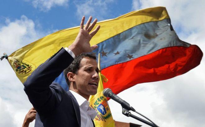 https: img.okezone.com content 2020 05 05 18 2209602 pemimpin-oposisi-guaido-bantah-punya-hubungan-dengan-tentara-bayaran-yang-invasi-venezuela-rlJt04l9T5.jpg