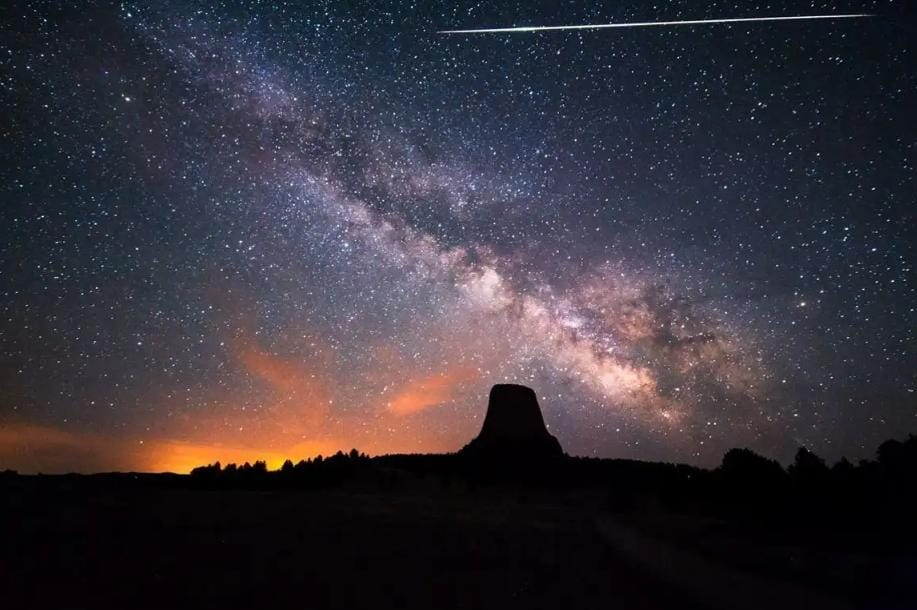 https: img.okezone.com content 2020 05 05 56 2209380 foto-foto-penampakan-hujan-meteor-eta-aquarid-hpgTQyxVPZ.jpeg