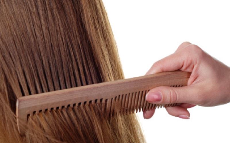 https: img.okezone.com content 2020 05 06 611 2210200 work-from-home-jangan-lupa-merawat-rambut-dengan-4-bahan-alami-ini-ADEYV7SQWr.jpg