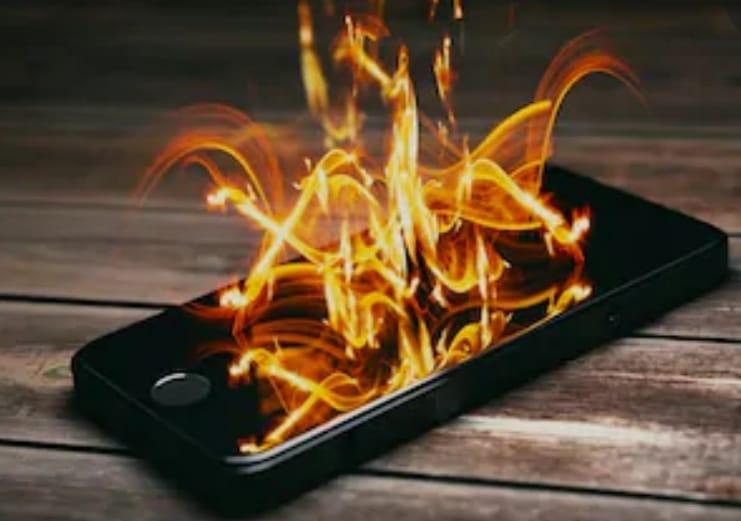 https: img.okezone.com content 2020 05 07 92 2210704 cara-mencegah-ponsel-meledak-m78Bjm621w.jpeg